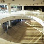 Balaustra circolare in vetro temperato su misura - Roma Centro Commerciale - VetroeXpert - Balaustre Parapetti Recinzioni