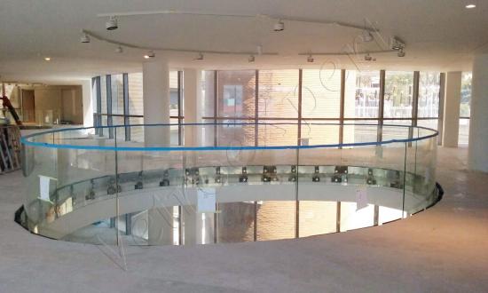 Balaustra circolare su misura in vetro temperato - Roma - VetroeXpert - Balaustre Parapetti Recinzioni