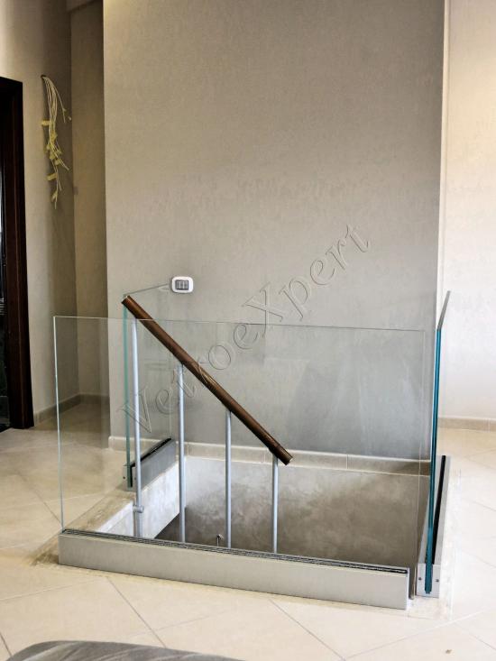 Parapetto da interno su misura in cristallo temperato stratificato - Roma - VetroeXpert - Balaustre Parapetti Recinzioni