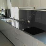 Top cucina in vetro smaltato - Roma - VetroeXpert - Balaustre Parapetti Recinzioni