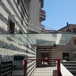 Vista laterale pensilina - Roma - VetroeXpert - Coperture e Pensiline