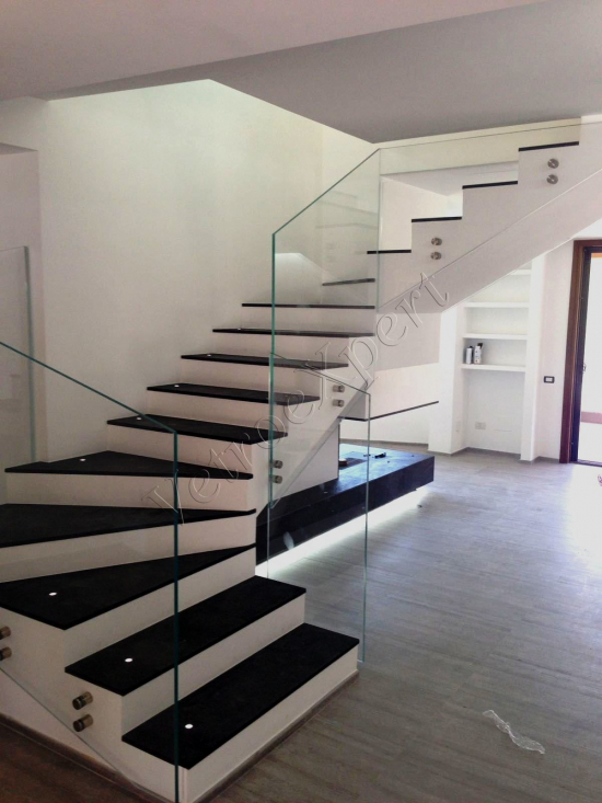 Balaustra con rotulle - Roma - VetroeXpert - Balaustre Parapetti Recinzioni