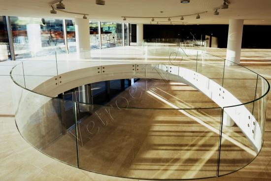 Balaustra - Roma Centro Commerciale Tiburtina - VetroeXpert - Balaustre Parapetti Recinzioni
