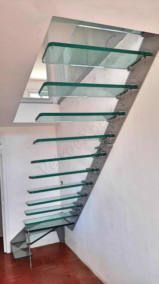 scalinata in vetro