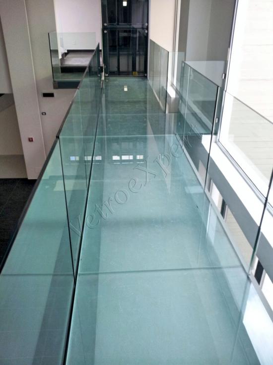 Pavimento in cristallo - Roma - VetroeXpert - Scale Pavimenti Ascensori