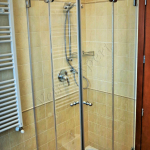Box doccia temperato con doppia anta battente - Roma - VetroeXpert - Box doccia in cristallo temperato su misura