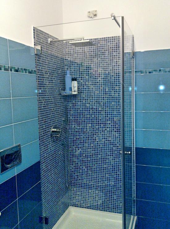 Box doccia trasparente a battente - Roma - VetroeXpert - Box doccia in cristallo temperato su misura