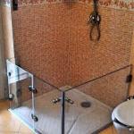 ringhiera box doccia vetro