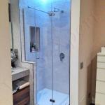 Composizione Box doccia con vetro temperato porta a battente - Roma - VetroeXpert - Box doccia in cristallo temperato su misura