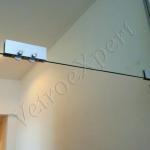 Dettaglio chiusura Porta a battente in vetro temperato - Roma - VetroeXpert - Porte in vetro su misura e Pareti divisorie