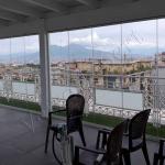 Vetrata panoramica con vista sul Vesuvio