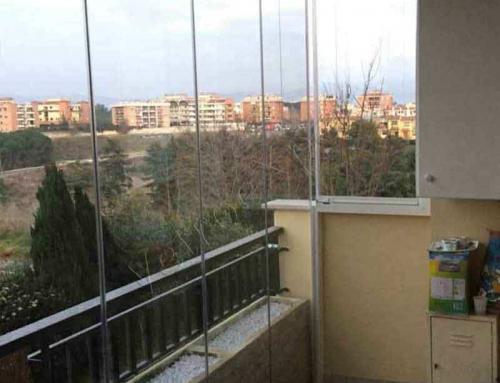 Chiusura balcone tutto vetro