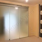 Parete chiusa divisoria in cristallo scorrevole satinata - Roma - VetroeXpert - Porte in vetro su misura e Pareti divisorie