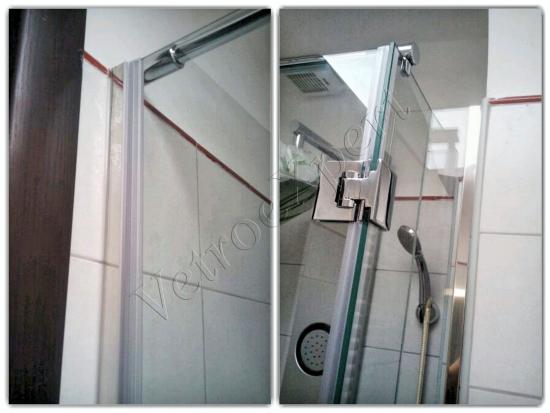 Particolare Box doccia - Roma - VetroeXpert - Box doccia in cristallo temperato su misura