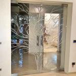 Porta chiusa temperata con serigrafia doppio maniglione - Roma - VetroeXpert - Porte in vetro su misura e Pareti divisorie