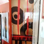 Porta con vetro temperato con decorazione e maniglione - Roma - VetroeXpert - Porte in vetro su misura e Pareti divisorie