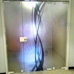 Porta doppia a battente temperata con decoro chiusura a chiave - Roma - VetroeXpert - Porte in vetro su misura e Pareti divisorie