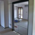 Porta in vetro trasparente a battente - Roma - VetroeXpert - Porte in vetro su misura e Pareti divisorie