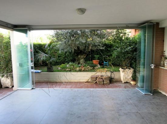 Vetrata panoramica chiusa - Roma - VetroeXpert - Vetrate Pieghevoli e vetrate a scomparsa Glassroom