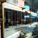 Vetrate a scomparsa Glassroom parete ristorante - Vista esterna - Roma - VetroeXpert - Vetrate Pieghevoli e vetrate a scomparsa Glassroom