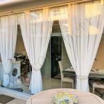 Vista frontale Vetrata pieghevole chiusa - Roma - VetroeXpert - Vetrate Pieghevoli e vetrate a scomparsa Glassroom