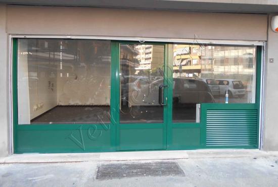 vetrina per negozi in vetro roma