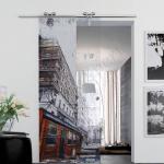 Porta scorrevole ad un anta in vetro satinato con decoro-DP - Roma - VetroeXpert - Porte in vetro su misura e Pareti divisorie