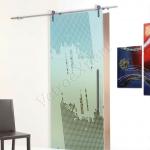 Porta scorrevole ad un anta in vetro satinato con decoro_CA - Roma - VetroeXpert - Porte in vetro su misura e Pareti divisorie