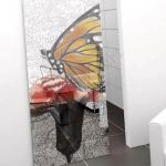 Porta scorrevole ad un anta in vetro satinato con decoro_FA - Roma - VetroeXpert - Porte in vetro su misura e Pareti divisorie