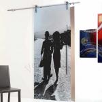 Porta scorrevole in vetro satinato decoro HI - Roma - VetroeXpert - Porte in vetro su misura e Pareti divisorie
