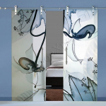 Porte a doppia anta scorrevoli in vetro con decoro-CT - Roma - VetroeXpert - Porte in vetro su misura e Pareti divisorie