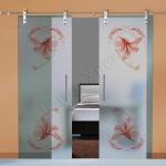 Porte a doppia anta scorrevoli in vetro con decoro_EM - Roma - VetroeXpert - Porte in vetro su misura e Pareti divisorie