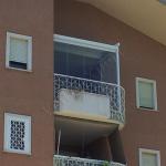 Pergotenda Su Balcone Vista Esterna Con Vetrate Panoramiche In Cristallo Temperato (live Outdoor) Pergotende, Pergole Bioclimatiche