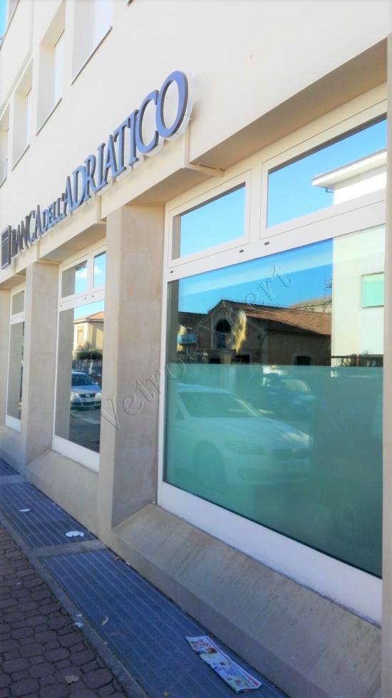 Vetrina Pellicolata Esterno Banca   Roma   VetroeXpert   Pellicole Per Vetri, Sicurezza, Termica, Protezione Solare, Estetica
